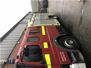 Masina de pompieri autospeciala stins incendii - imagine 2