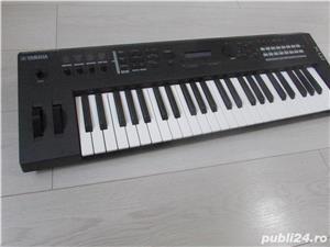 Yamaha MX49 Synthesizer - imagine 1