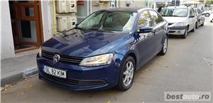 VW JETTA/ 2013.DISEL-Cutie AUTOMATA DSG II-Dotari TOP/ Impecabila.Limousine culoare Blue  - imagine 3