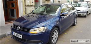 VW JETTA/ 2013.DISEL-Cutie AUTOMATA DSG II-Dotari TOP/ Impecabila.Limousine culoare Blue  - imagine 5