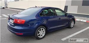 VW JETTA/ 2013.DISEL-Cutie AUTOMATA DSG II-Dotari TOP/ Impecabila.Limousine culoare Blue  - imagine 17