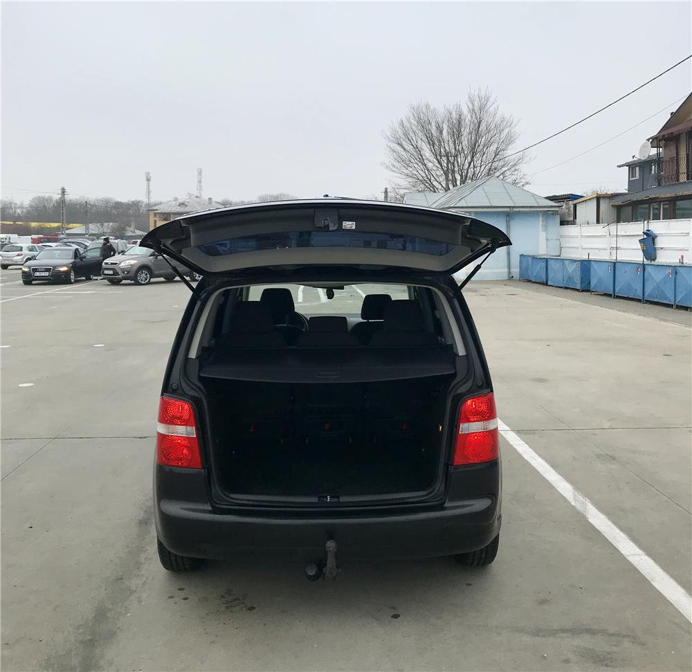 VW  TOURAN  1,9. TDI  - imagine 5
