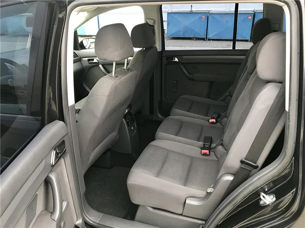VW  TOURAN  1,9. TDI  - imagine 8