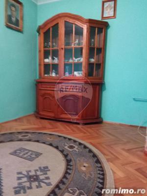 Casă / Vilă cu 4 camere în zona Piata Taranilor - imagine 12