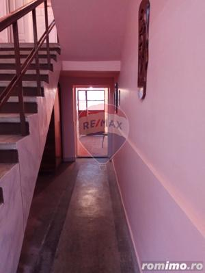 Casă / Vilă cu 4 camere în zona Piata Taranilor - imagine 11