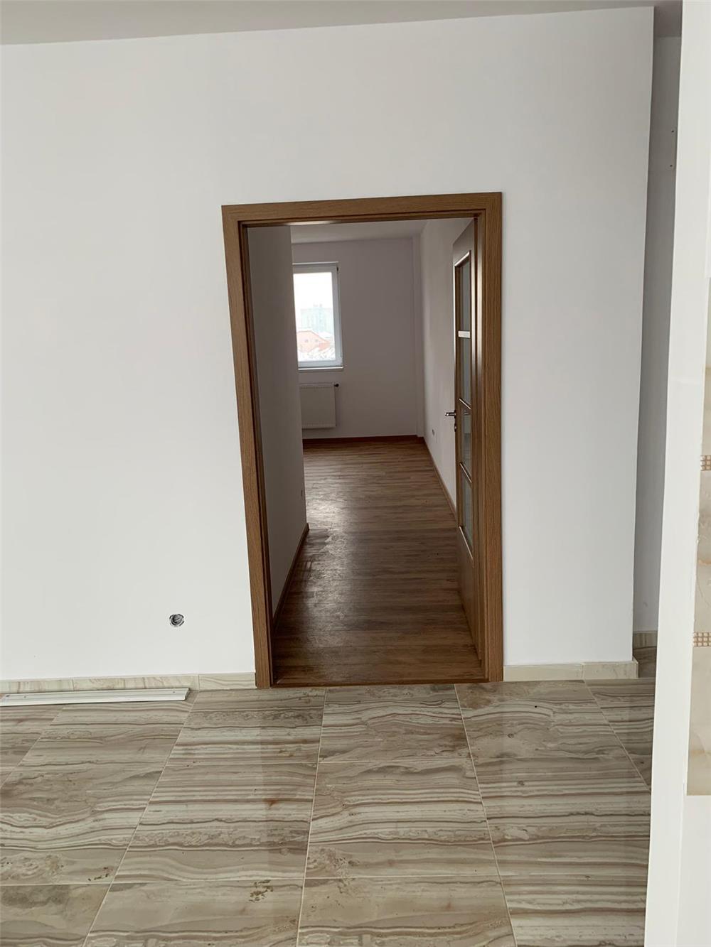 Vand apartament 3 camere  - imagine 6