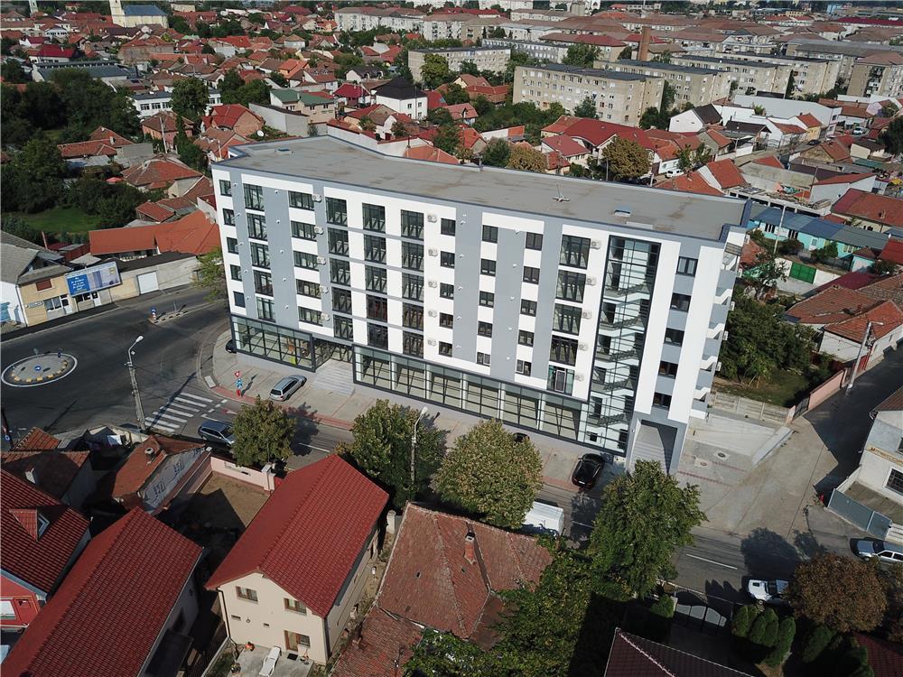 Vand apartament 3 camere  - imagine 10