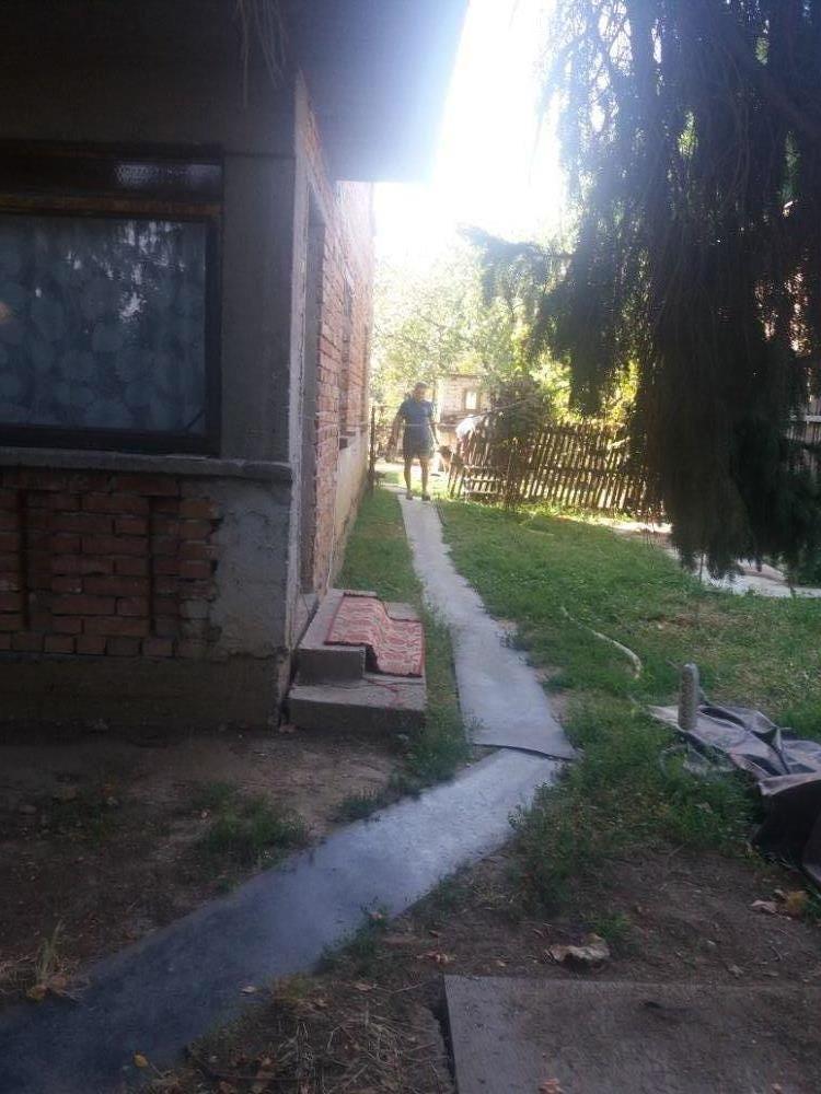 Casa com Bolintin Deal la 10 min de Bucuresti - imagine 2