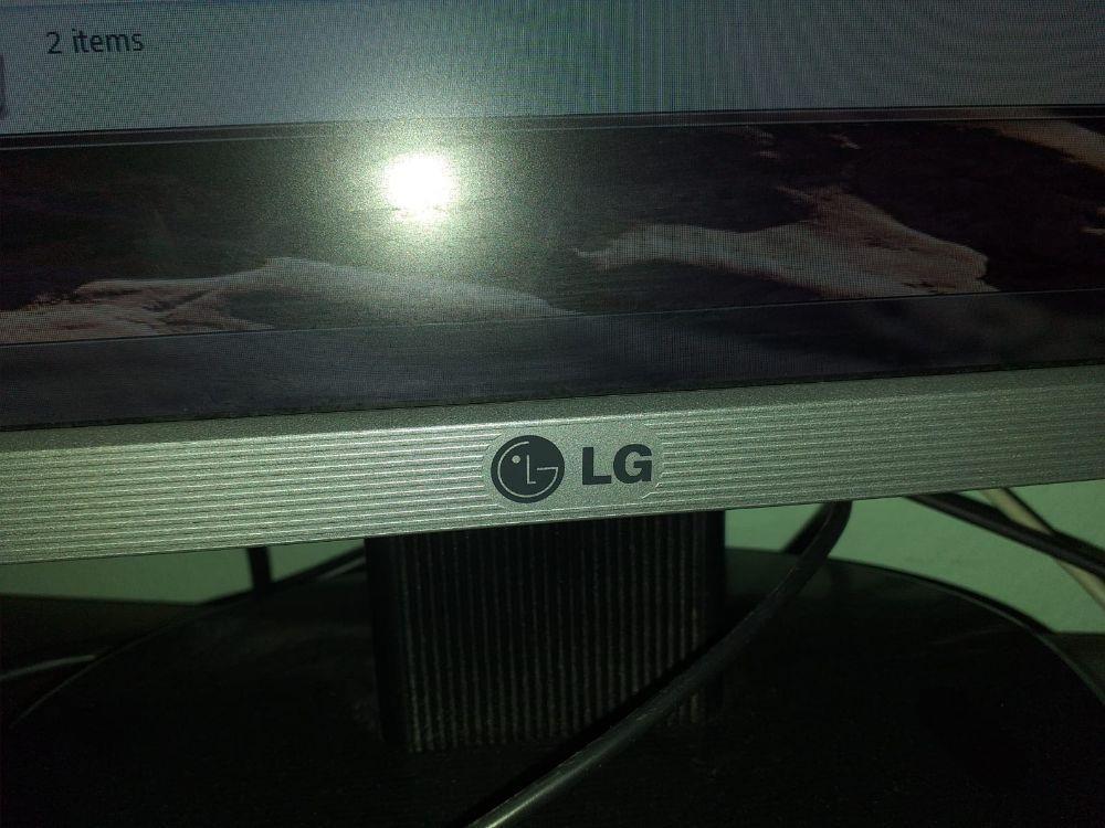 Calculator (Desktop + Monitor +Webcam + Mouse +Tastatură + Scaun ) - imagine 7