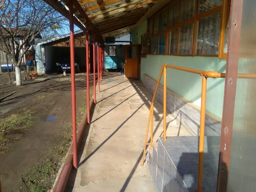 Vând casă în comuna Bujoru jud Teleorman - imagine 3