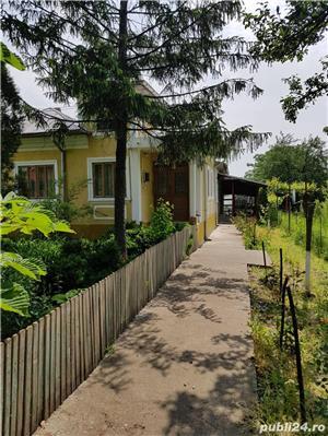 Ocazie UNICA: casa mobilată si 5300  mp curte la numai 18000 Euro - imagine 1