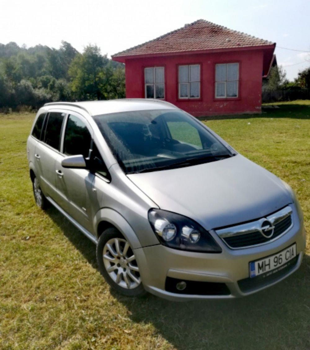 Opel Zafira B 1,9CDTI 120 Cp - imagine 1