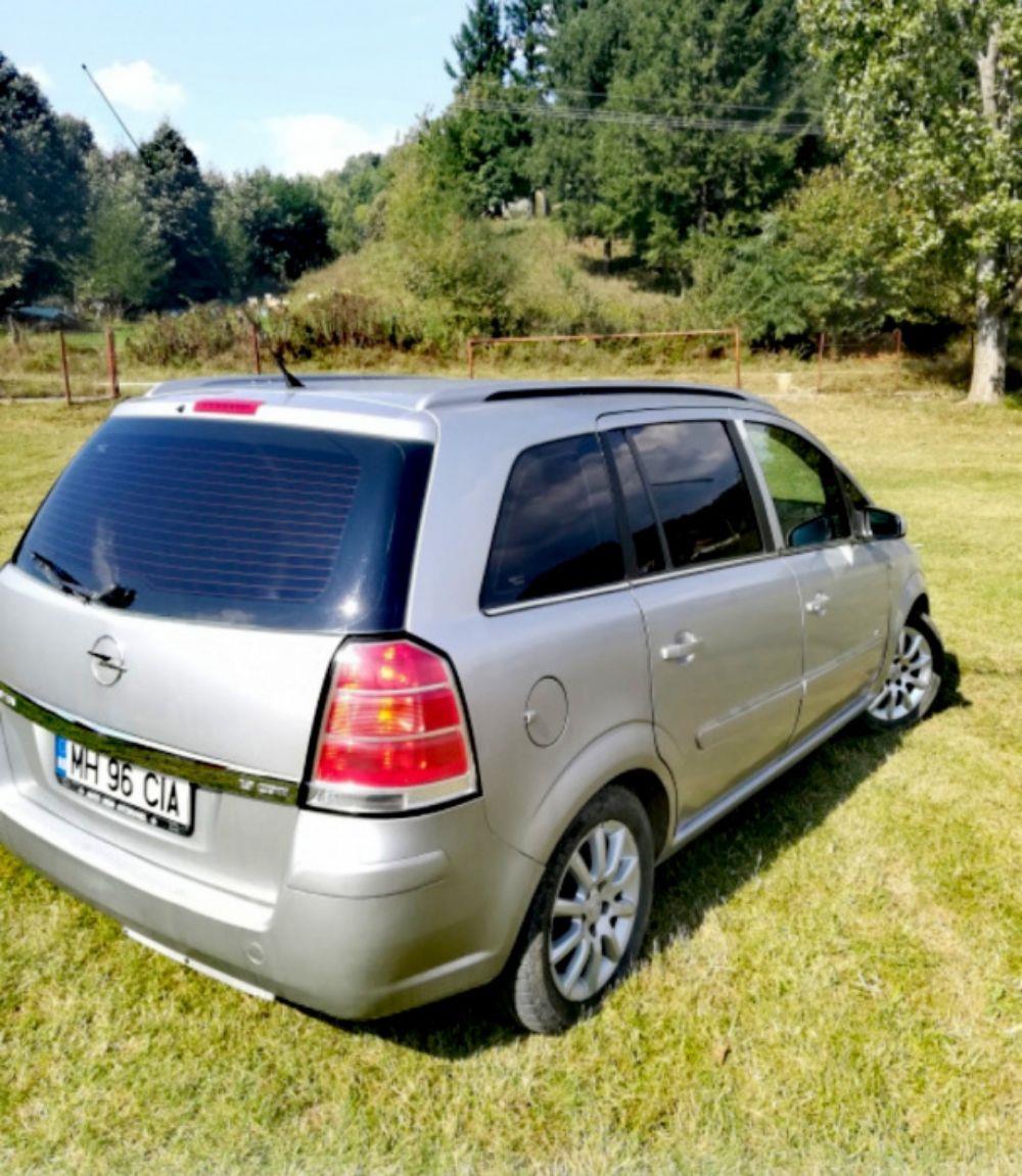 Opel Zafira B 1,9CDTI 120 Cp - imagine 3