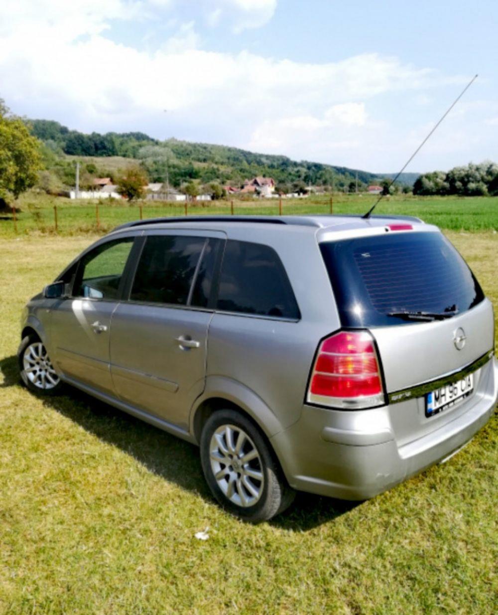 Opel Zafira B 1,9CDTI 120 Cp - imagine 4