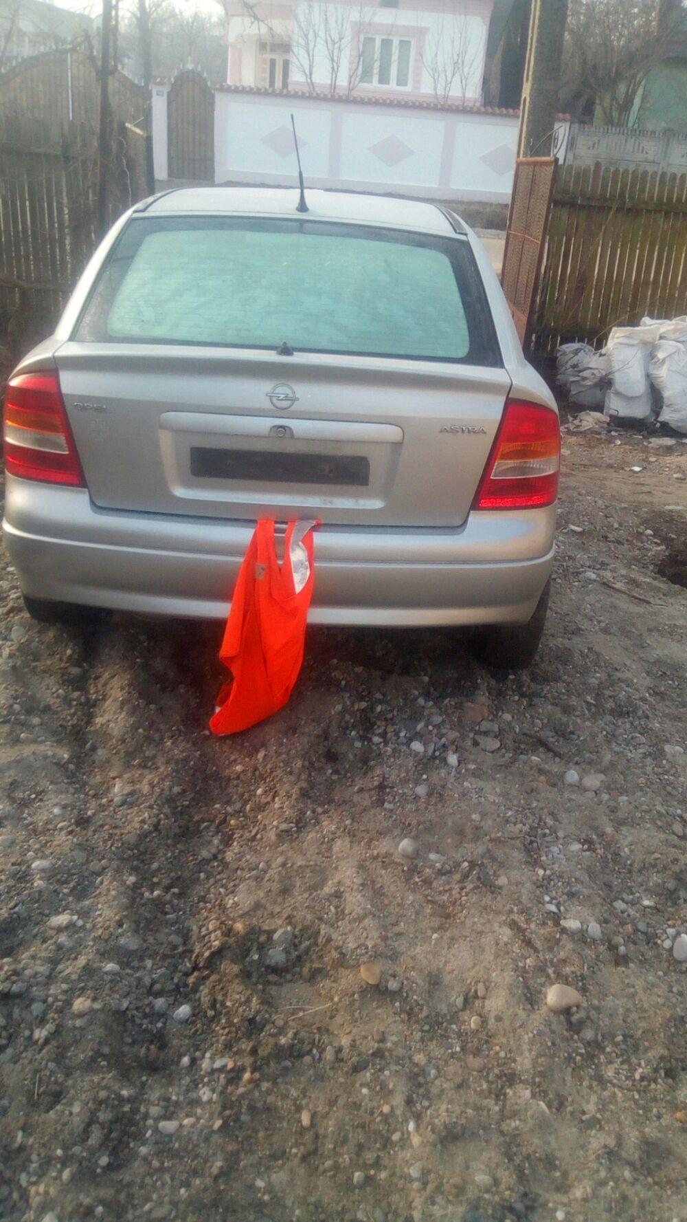 Dezmembrez Opel Astra g și caravan.  - imagine 1