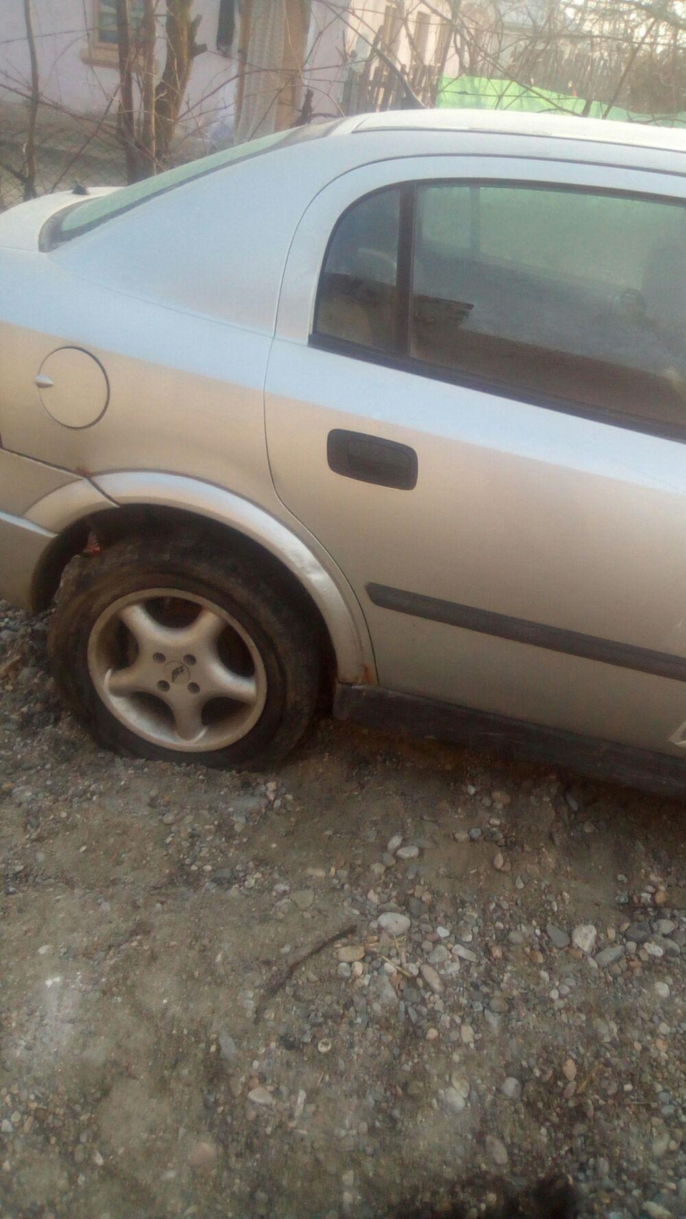 Dezmembrez Opel Astra g și caravan.  - imagine 2
