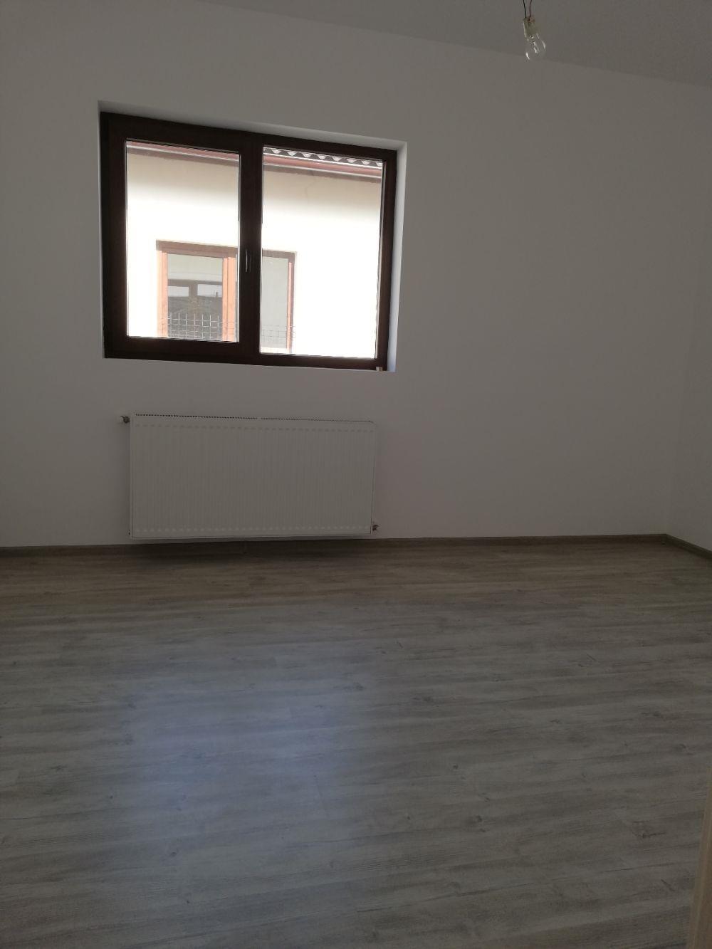 Proprietar Vind Duplex pe Parter cu utilitati  - imagine 5