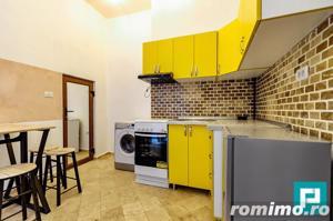Apartament cu două camere în inima orașului. - imagine 4