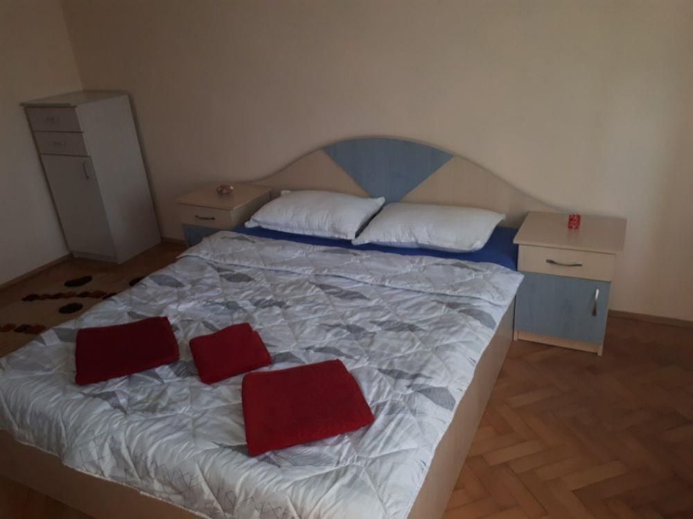 Apartament 2 camere et 1  Central decomandat  Regim Hotelier Oradea  - imagine 8