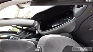 Ford Galaxy Ghia, 6 locuri, CLIMATRONIC, 4 geamuri electrice ... - imagine 14