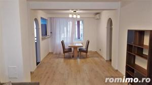 Apartament 3 camere lux, ultracentral, et.2 - imagine 2