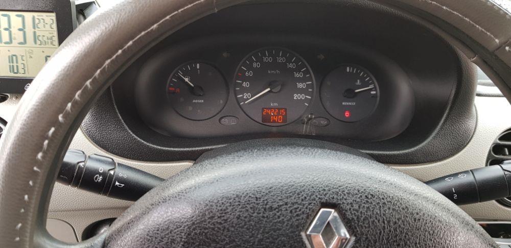 Renault  - imagine 7