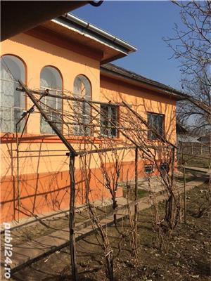 Vând casă+curte mare central, aproape de șoseaua principală - imagine 8