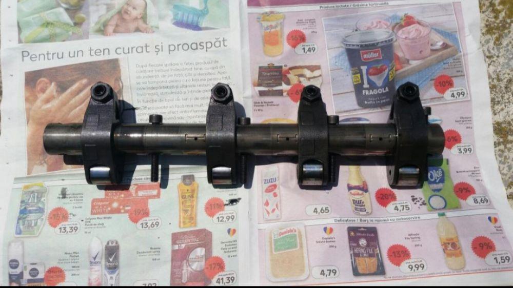 Rampa injectoare vw passat b6 2.0l tdi  - imagine 1