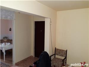 Vand apartament 3 camere decomandat zona favorabila  - imagine 9