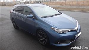 Toyota auris - imagine 1