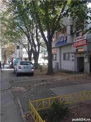 Capitol Bd.Mamaia intersectie cu Mircea - Parter de vila 135mp + curte - imagine 5