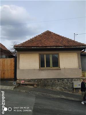 Casa modestă cu teren in Cisnădie - imagine 1