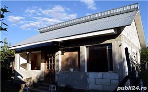 GOSPODĂRIE: 2 case + anexă cu fundație și 2 grădini - imagine 6