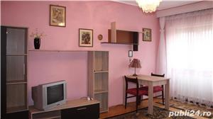 Apartament cu 3 camere si 2 bai in zona centrala - imagine 1