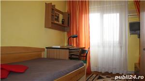 Apartament cu 3 camere si 2 bai in zona centrala - imagine 3