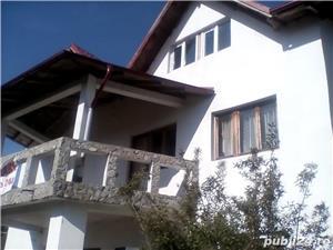 Afumați, vilă cu 9 camere și teren 1.000 mp - imagine 2