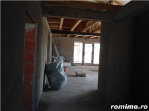 Casa in gri la Santandrei intrare stinga - imagine 8