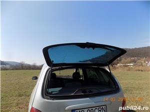 Renault megane scenic - imagine 12
