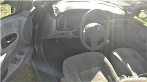 Renault Megane 1.9 Dci **Expression** cu A/C.  - imagine 3
