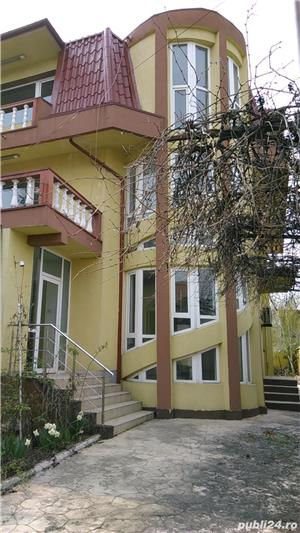 Particular - vilă cu piscină, terase, garaj și beci - construită in anii '96 - zona Lujerului - imagine 2