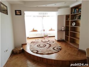 Proprietar inchiriez apartament cu 2 camere-CENTRAL - mobilat si utilat complet - imagine 8