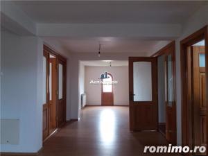 Vila 11 camere, ideal locuit sau afacere, acces metrou Pacii - imagine 10