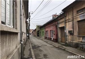 Casa de vanzare + 2 spatii comerciale - Central  - imagine 3