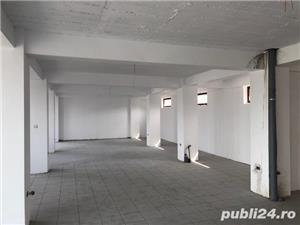 Cladire spatii comerciale si birouri - imagine 2