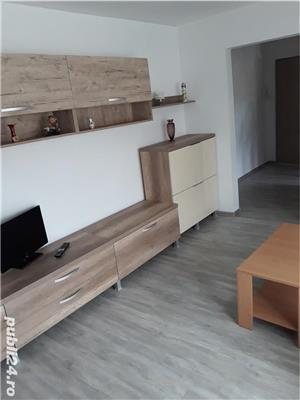 Închiriez apartament cu 2 camere confort 1cu centrala  - imagine 1