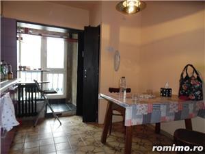 Apartament cu 5 camere transformat in apartament cu 4 camere - imagine 8