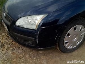 Ford Focus Hatchback din 2005 - imagine 4