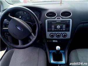 Ford Focus Hatchback din 2005 - imagine 7