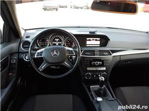 Mercedes-benz 220 - imagine 3