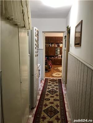 Apartament 3 camere decomandat CENTRAL vizavi de Piata - imagine 2